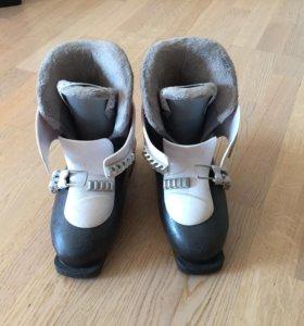 Горнолыжные ботинки детские б/у