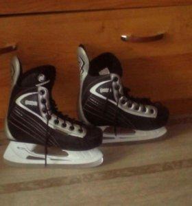 Коньки хоккейные, р-р 38