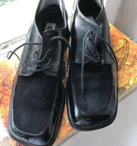 Туфли чёрные, Италия