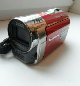 Скрытая камера в красных шортах