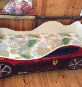 Продам кровать с матрацем