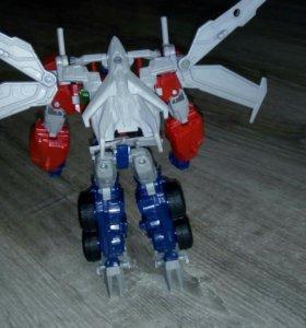 Transformers beast hunters. Optimus Prime
