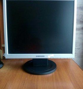 Монитор для компьютера Samsung 720N