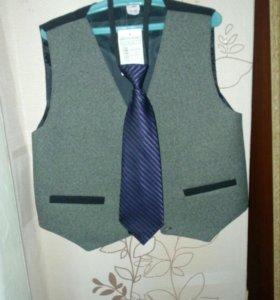 Жилет и галстук
