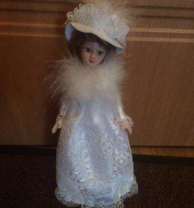 Новая фарфоровая кукла 22см