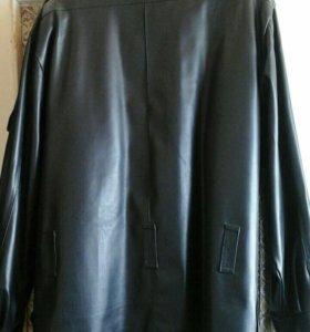 Куртка из кожзаменителя.