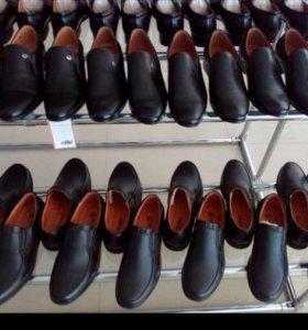 Туфли , красовки, туфли все размеры есть