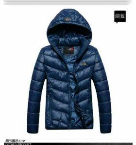 TNF Куртка женская новая размер 44