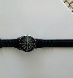 Новые часы. Цвет чёрный