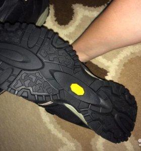 Кроссовки оригиналы DLX (Adidas) новые.