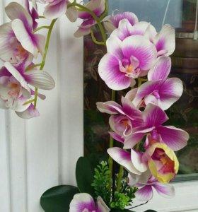 Композиция из латексных орхидей