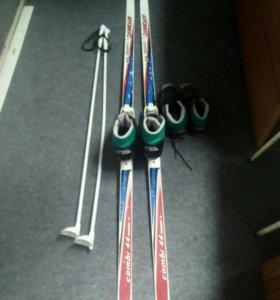 Набор лыжи палки ботинки