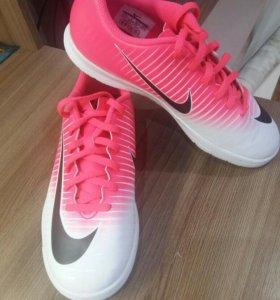 Новые футбольные бутсы(Nike Mercurial x)