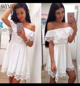 Платье новое белое очень маленькое на ребенка