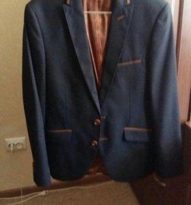 Класический костюм