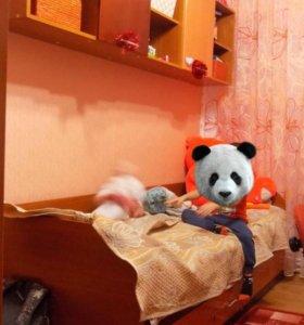 Кровать и полки