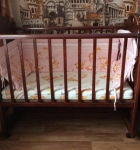 Детская кроватка, матрас, бортики