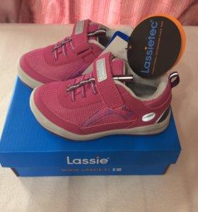 Новые кроссовки мембрана Lassie by Reima 26 размер