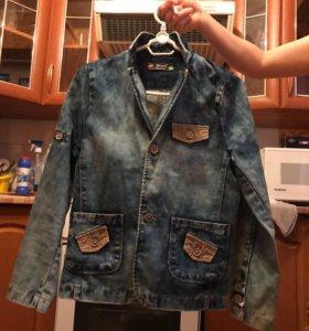 Продаётся пиджак джинсовый одето один раз .