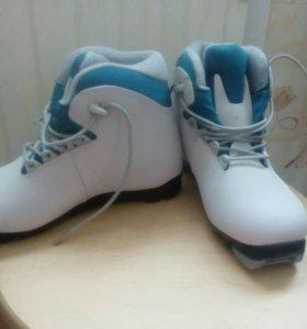 Женские ботинки для лыж