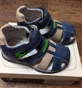 Новые сандалии Baby Go 23 размер