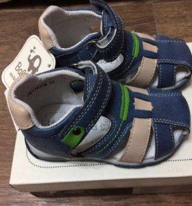 Новые сандалии Baby Go 22 размер