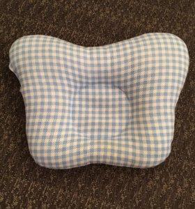 Анатомическая подушка для малышей