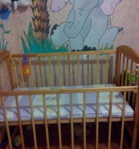 Кровать с матрасом.кроватка