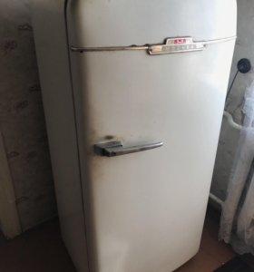 Холодильник ЗИЛ-Москва 1960г.