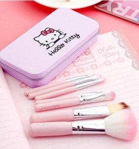 Набор Hello Kitty кисти для макияжа в коробке