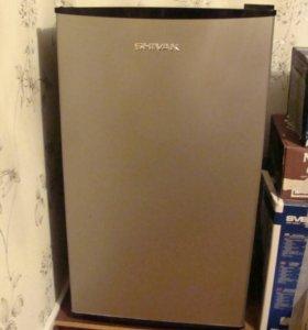 Холодильник SHIVAKI SHRP 100 CHP