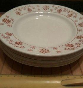 Тарелки столовые фарфор