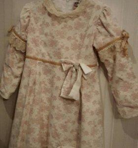 Платье. На 8-10 лет.