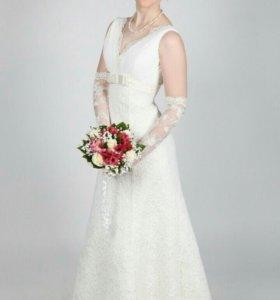 Свадебное платье (+ шубка, перчатки, фата) р.42-46