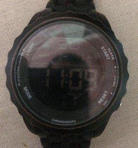 Часы COLIN'S TIME.
