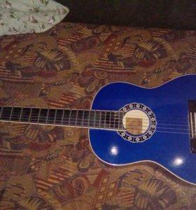 Фирминная гитара Валентина