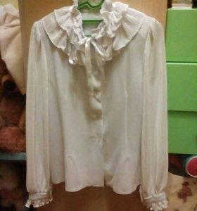 Блузка школьная на девочку.