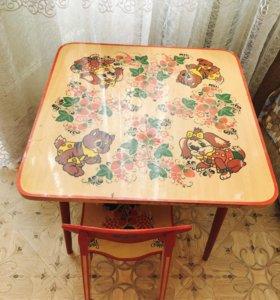 Красивый столик и стул