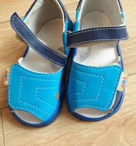 Новые сандали фирмы Римал