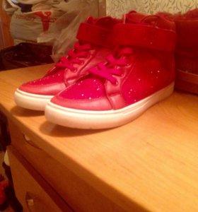 Ботинки 40