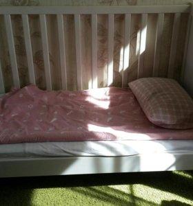 Кроватка и пеленальный стол IKEA