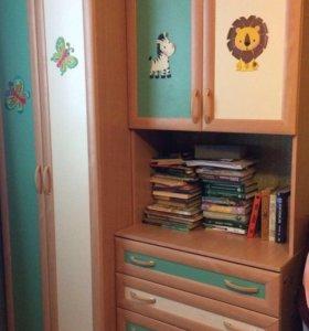 Продам Сочно мебель в детскую!