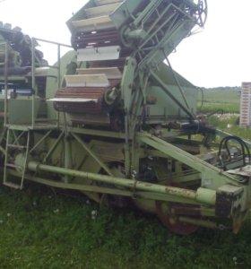 Картофелеуборочный Комбайн Е-686