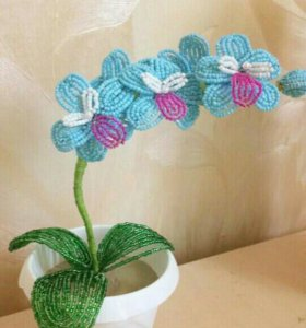Мини орхидея из бисера