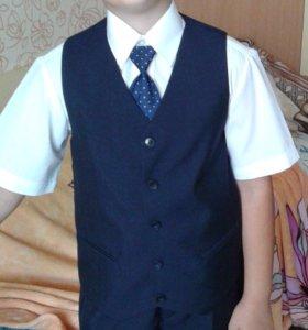 Школьный костюм (на мальчика)
