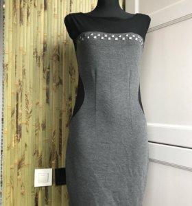 Силуэтное трикотажное платье mango размер s