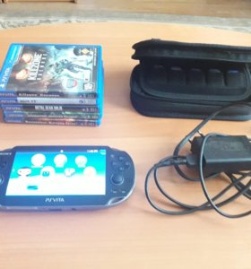 PS Vita Wi-Fi 16 гБ+чехол+5 игр