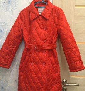 Пальто для девочки осеннее.