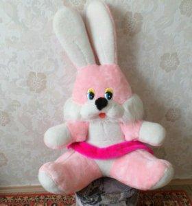 Большой розовый заяц