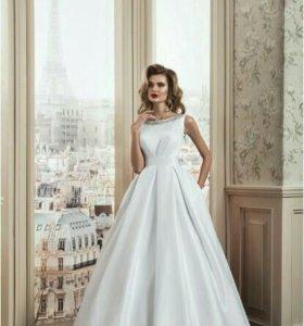 Свадебное платье атласное